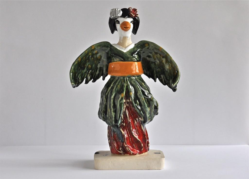 Geishafågel skulptur i glaserad keramik